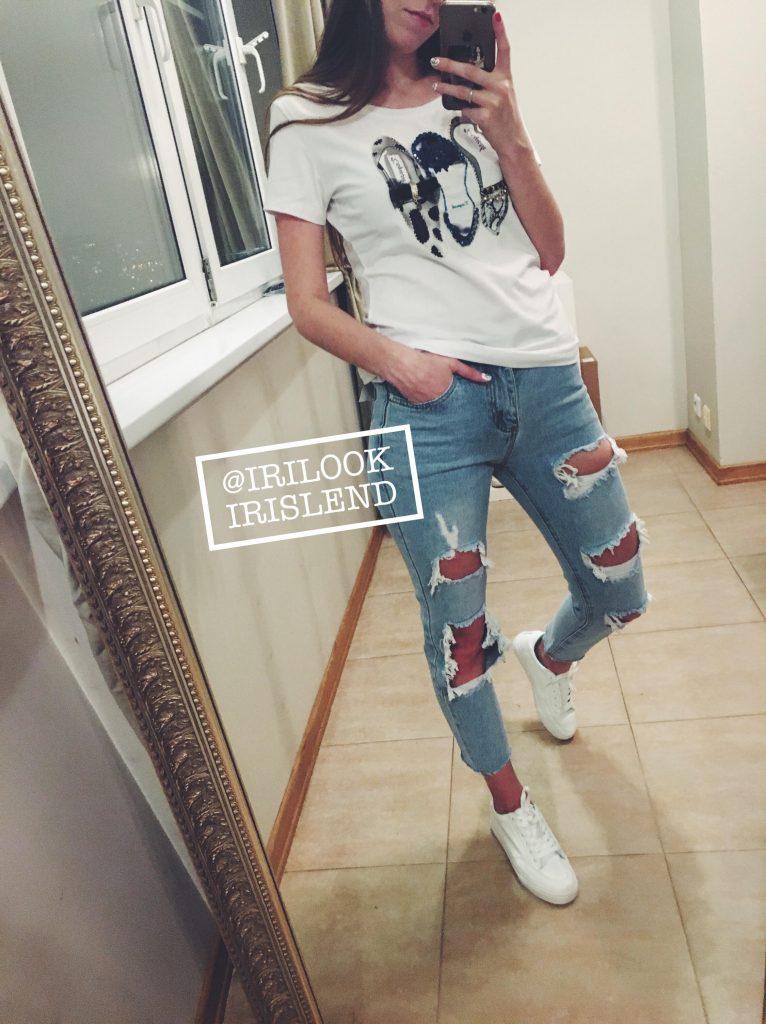 купить голубые джинсы с дырками