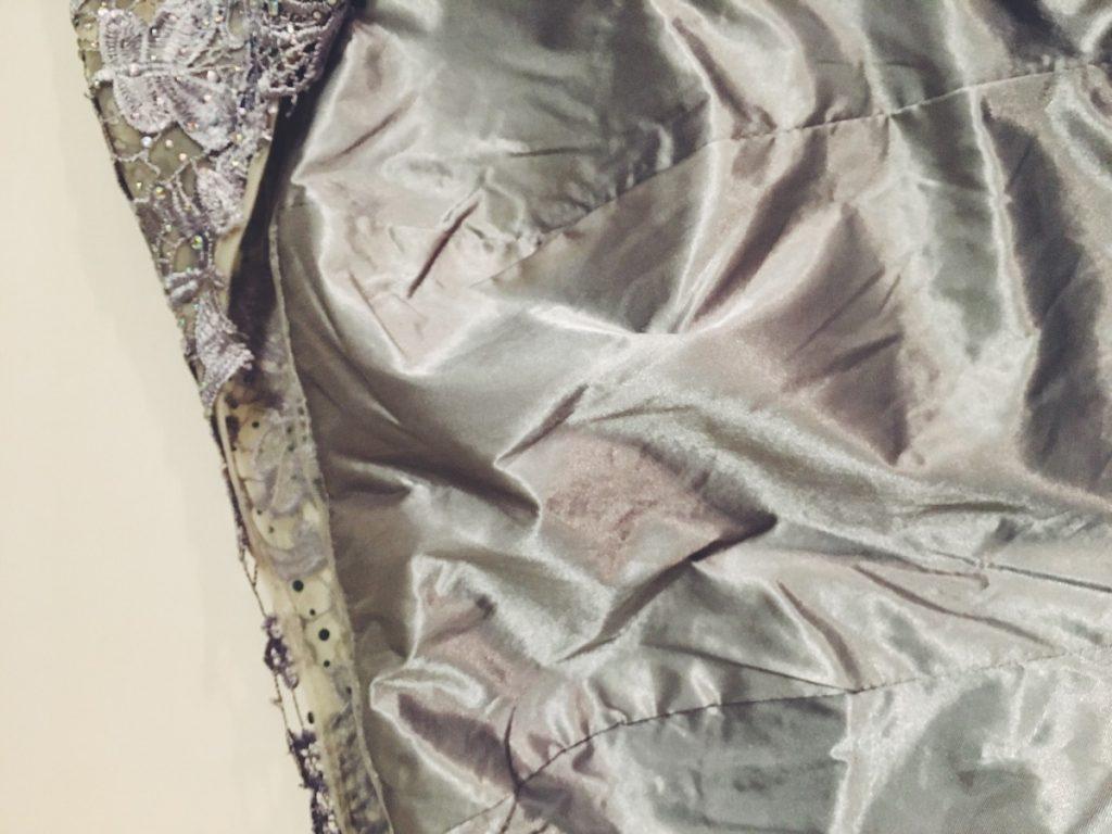 серое платье 10